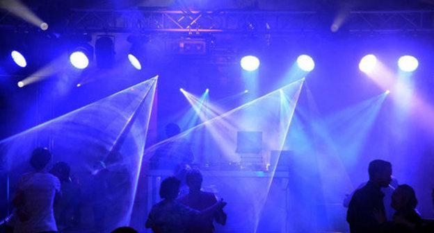 21 ноября ночной клуб разводят девушек в ночном клубе